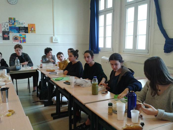 Les élèves devaient présenter une épice (en espagnol) et réaliser un plat avec...