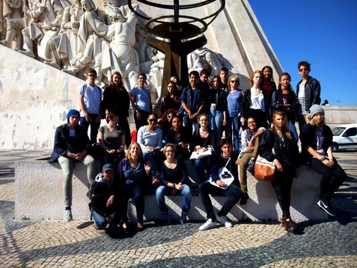 Arrivée à Lisbonne, classe de première STD2A avec Mme Bergerat (EPS), Mme Lardy (français) et Mme Catogni (arts appliqués).