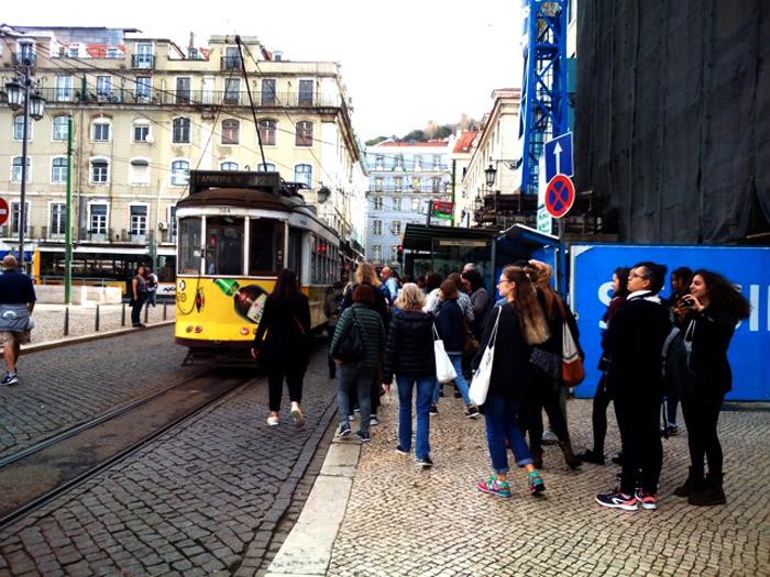 Ballade en tramway. Carnets en poche.
